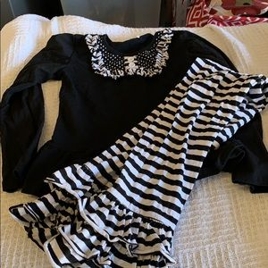 Other - 2 piece long sleeve and pant set